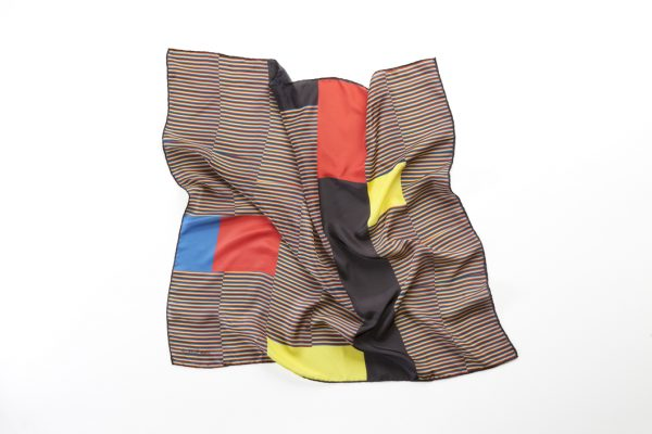 kinetic and colourfull silk scarf accesory