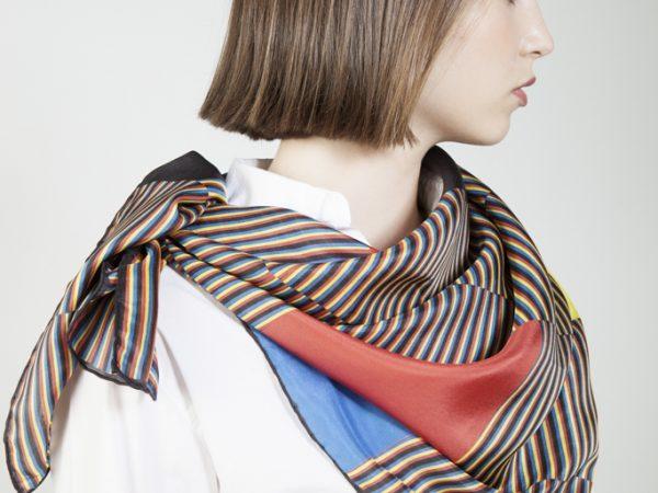 Cromointerferencia de color aditivo on silk