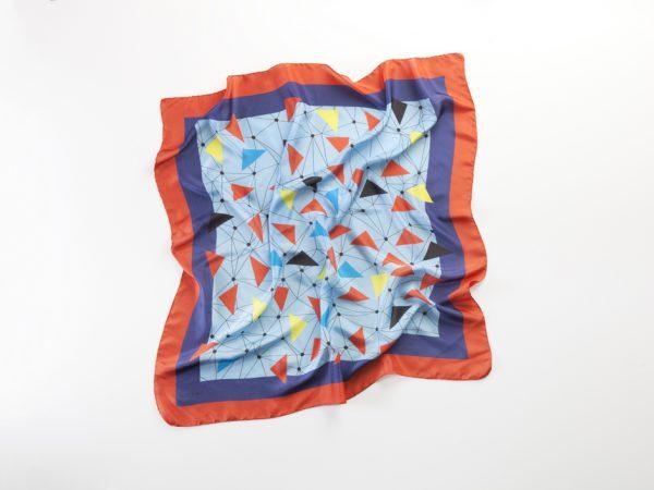 Guacamayas volando pañuelo de seda cuadrado grande