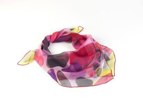 Nubes de Alexander Calder sobre pañuelo de seda