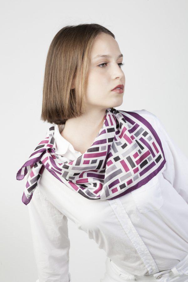 nudo pañuelo de seda hecho en barcelona