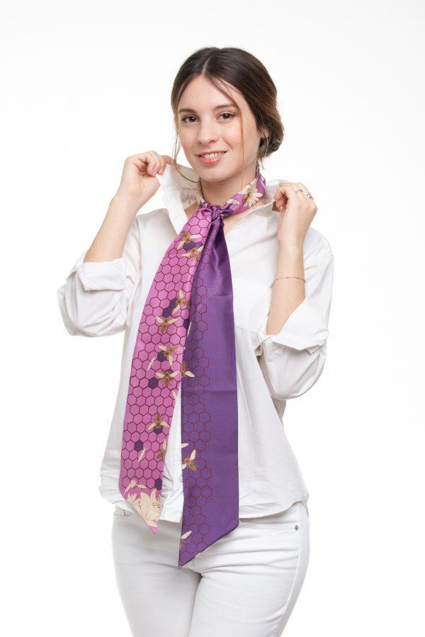 toque moderno y personal en seda color lavanda