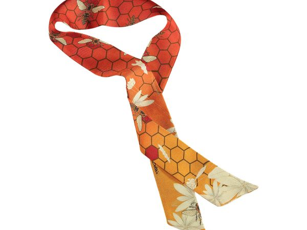 neck lace in silk in orange